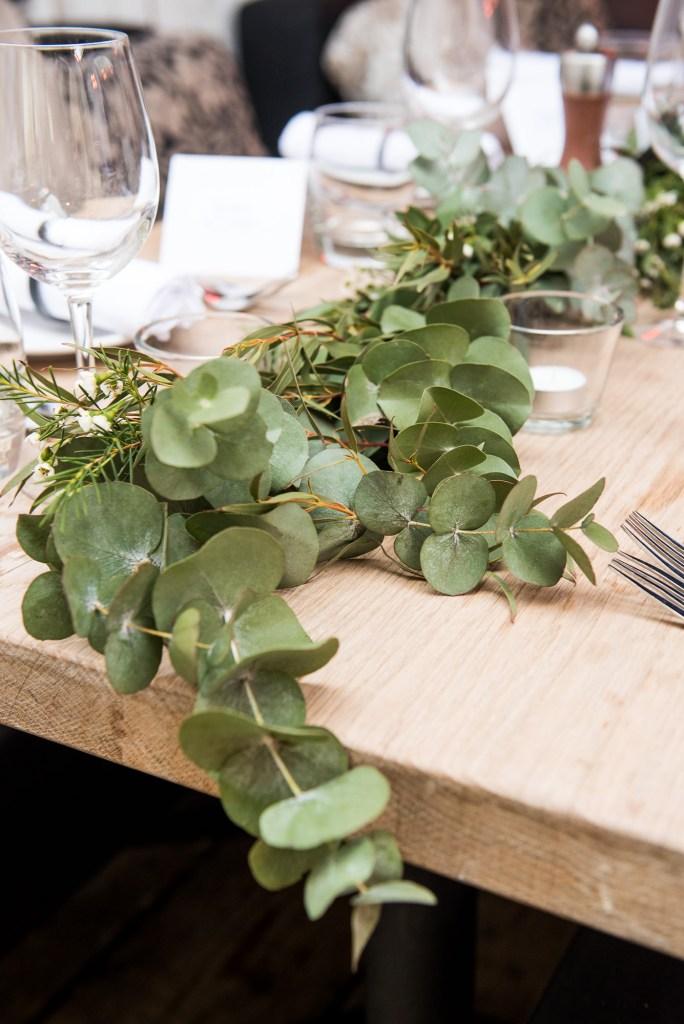 Green botanical table runners