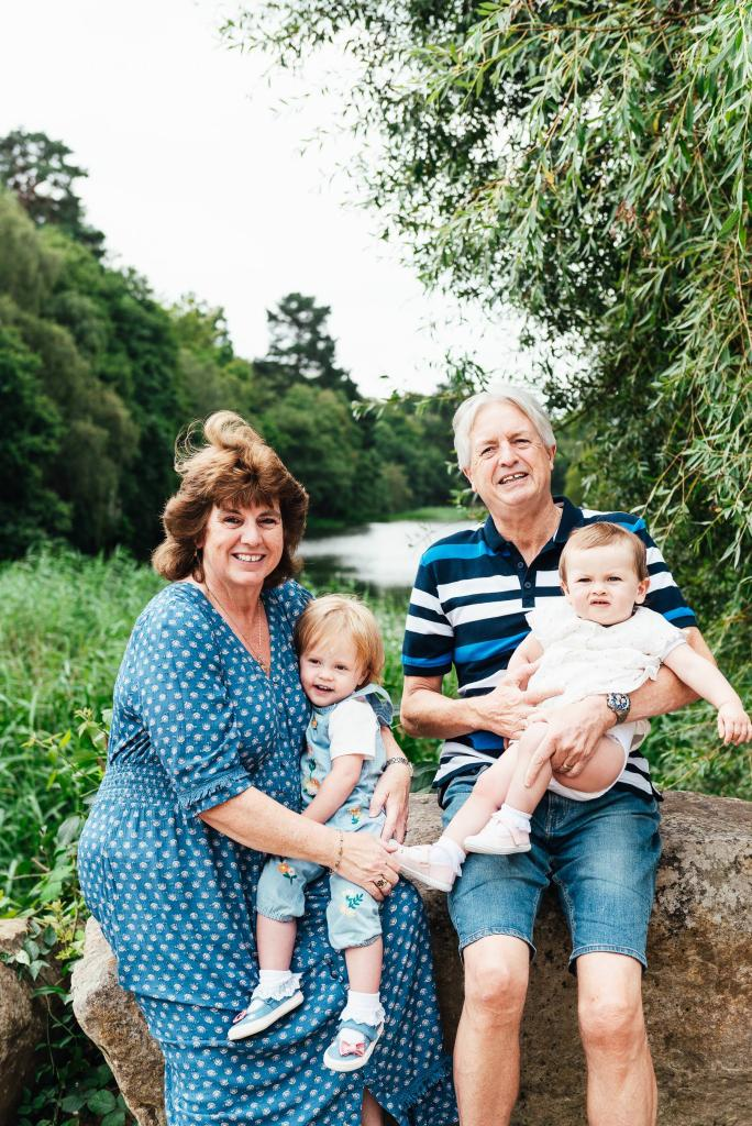 Surrey family photographer, natural family photography