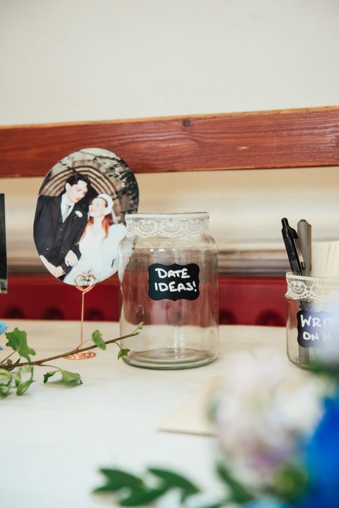 DIY wedding favour tables decorations