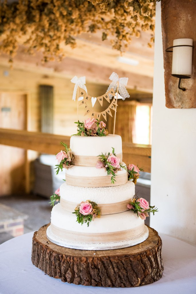 Natural and elegant Wedding cake