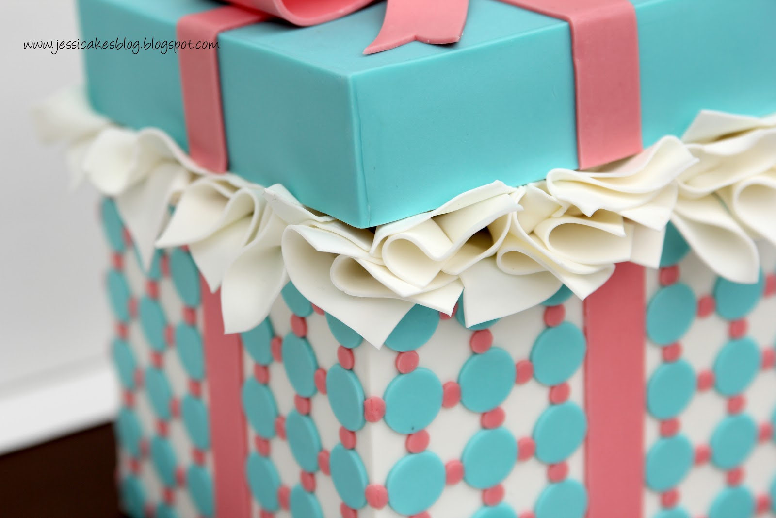 Gift box cake tutorial jessica harris cake design gift box cake tutorial negle Image collections