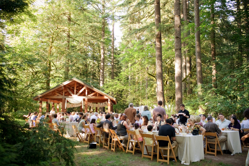 From a brides lens choosing a wedding venue jessica hill i love the idea of relaxed yet fancy weddings simple long tables with ivory linens are gathered for a family style meal at oxbow park junglespirit