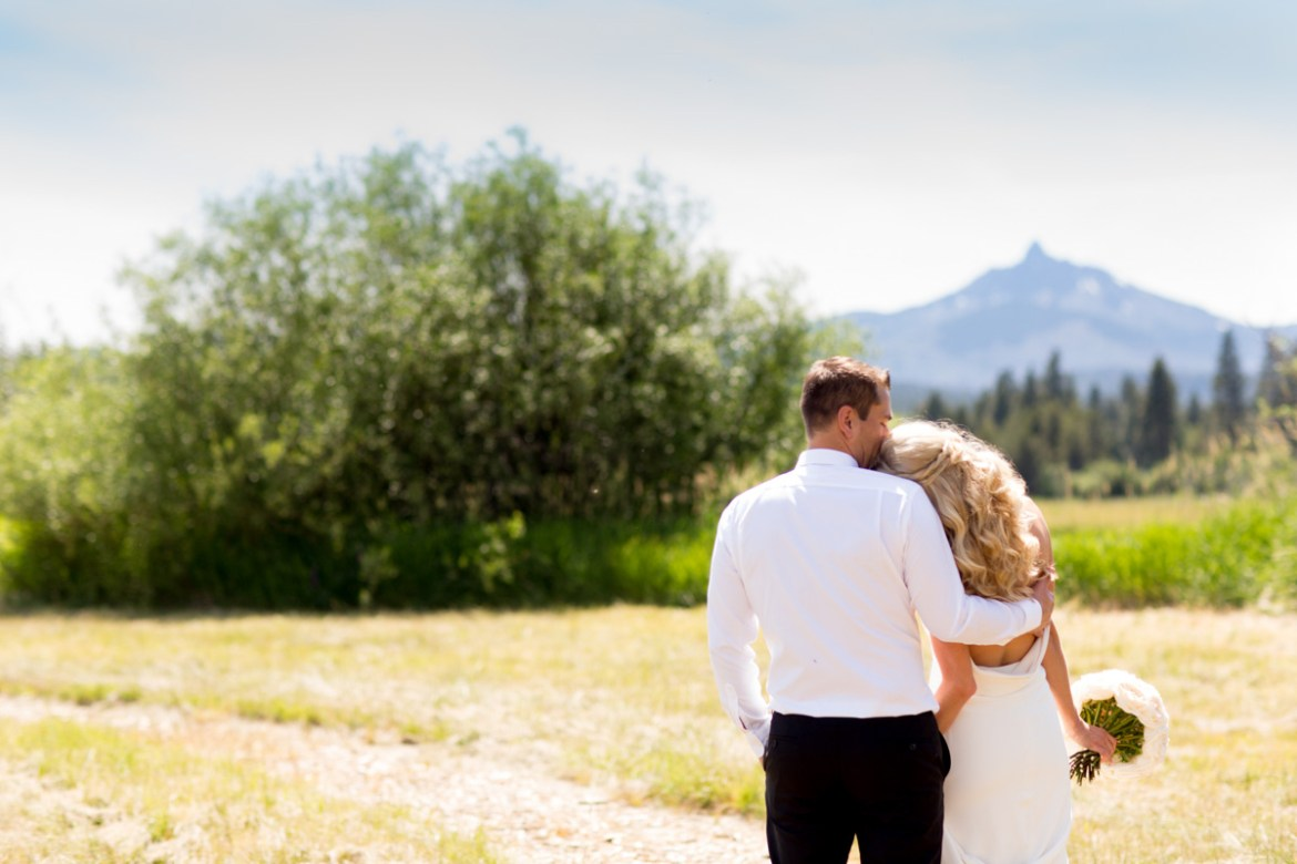 Black-Butte-Ranch-Wedding-Photos-009