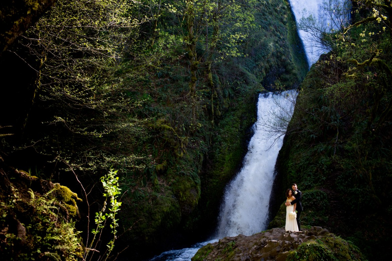 Waterfall-Weddings-Portland-20