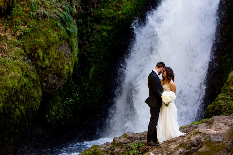 Waterfall-Weddings-Portland-22