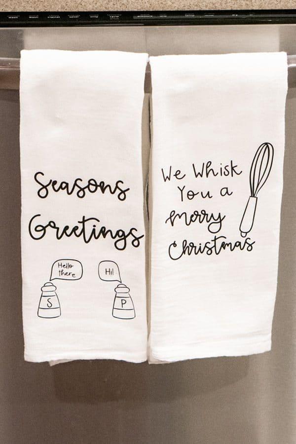 DIY Christmas Gift -CHRISTMAS-HAND-TOWELS-Momenvy