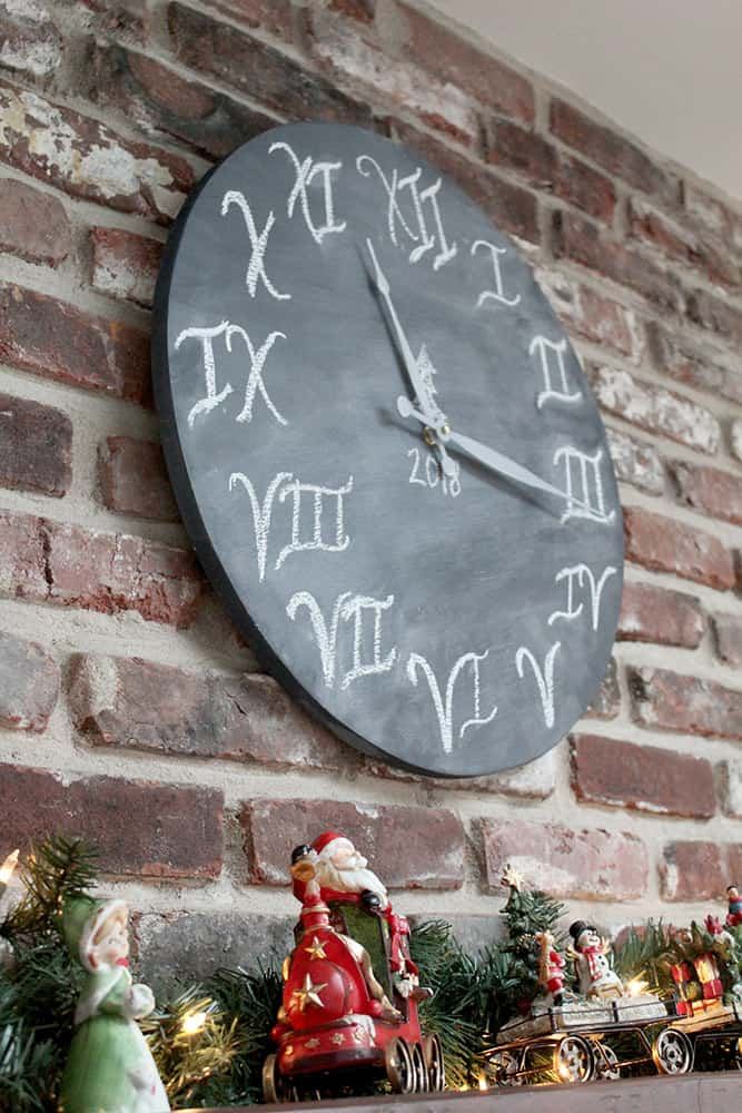 DIY Christmas Gift -Clock-justmeasuringup