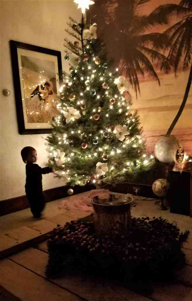 boho Christmas decor-tree3