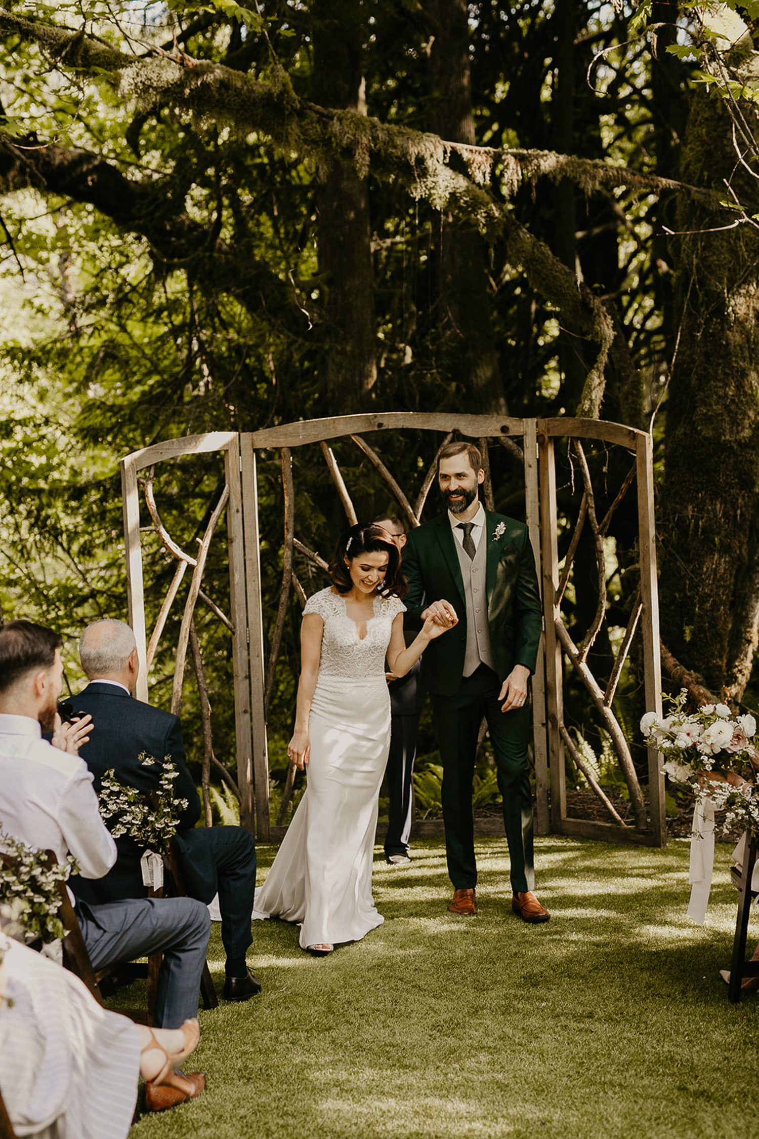 Couple getting married at Treehouse Point Seattle