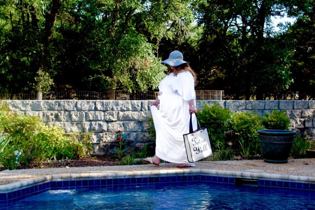 Summer Poolside Style: White Party