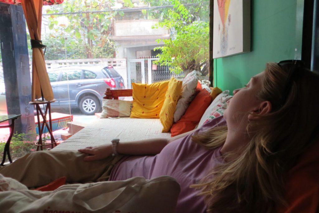 thailand-trip-day-1-silom-art-hostel