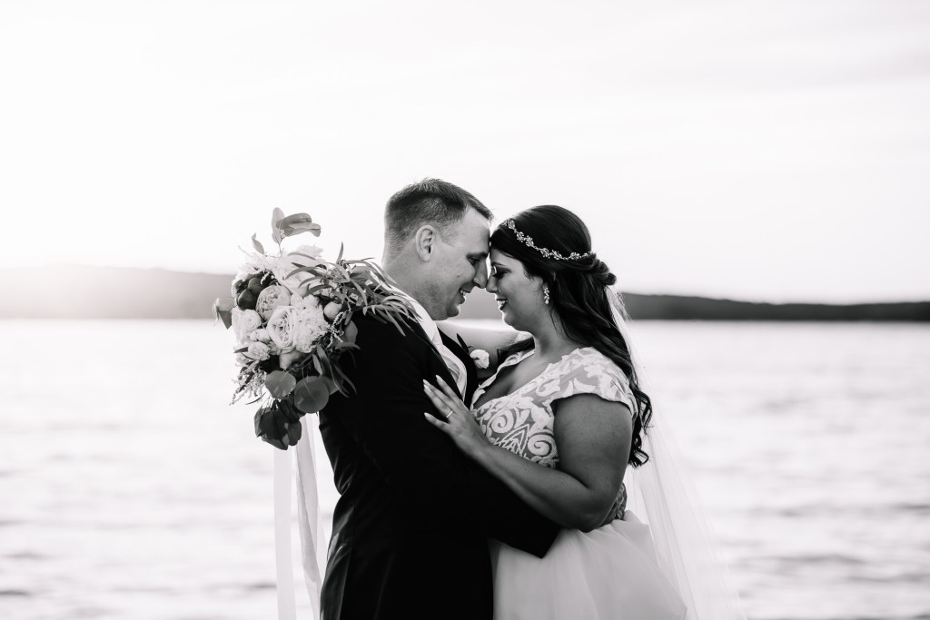 Wedding Photographer_Sunset_Bridal Bouquet_Husband and Wife_Lake_Bride and Groom