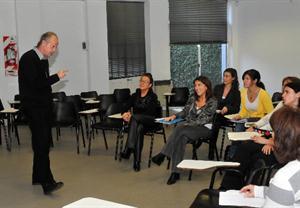 Lic. Andrés Sanchez Bodas durante una clase