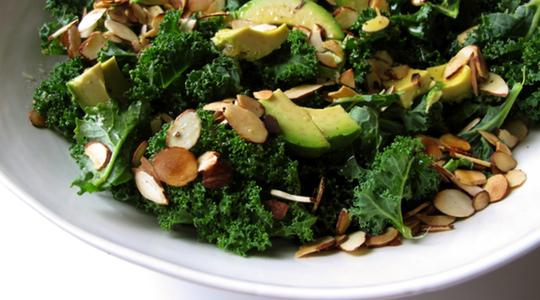 https://i0.wp.com/jessicaseinfeld.com/assets/uploads/recipes/252/kale-salad-with-avocado-and-almonds-02__step-by-step.jpg