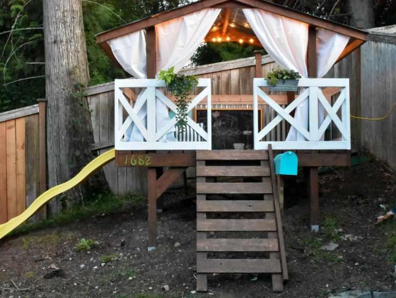 Playhouse string lights, outdoor lighting