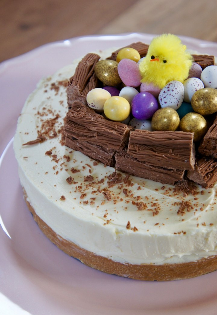 White chocolate Easter cheesecake