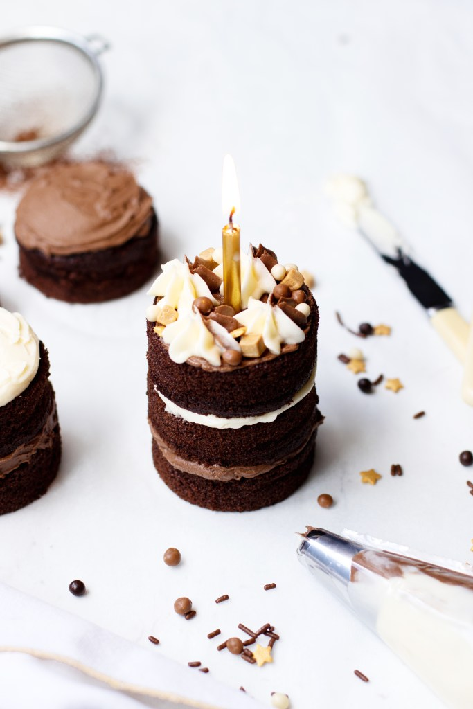 Mini double chocolate fudge cakes