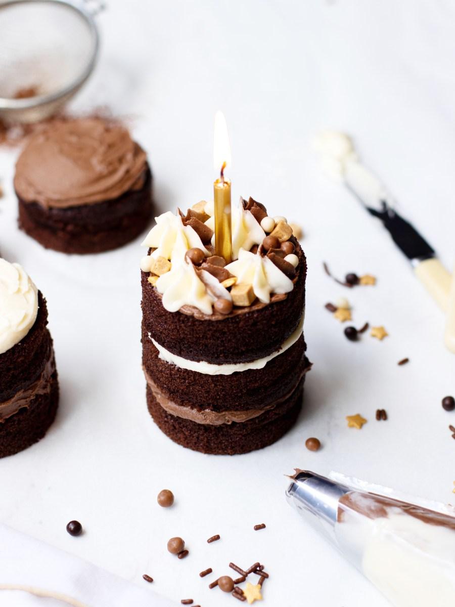 Mini Chocolate Fudge Cakes