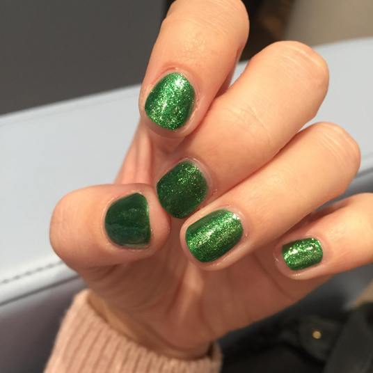 Christmas Nails. Green Glitter Nails. Liverpool Salon. Urban Calm.