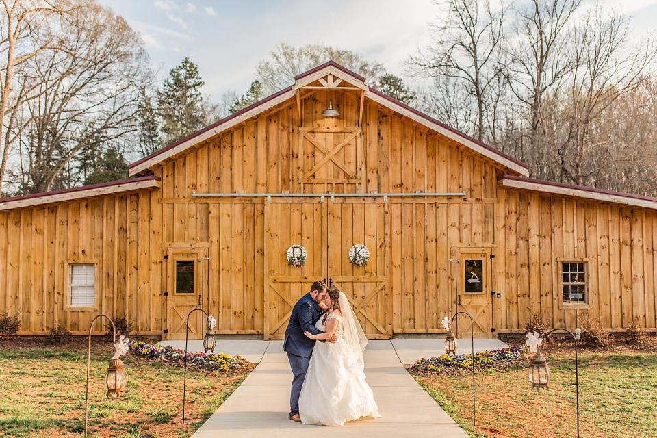 Old Homeplace Vineyard Wedding