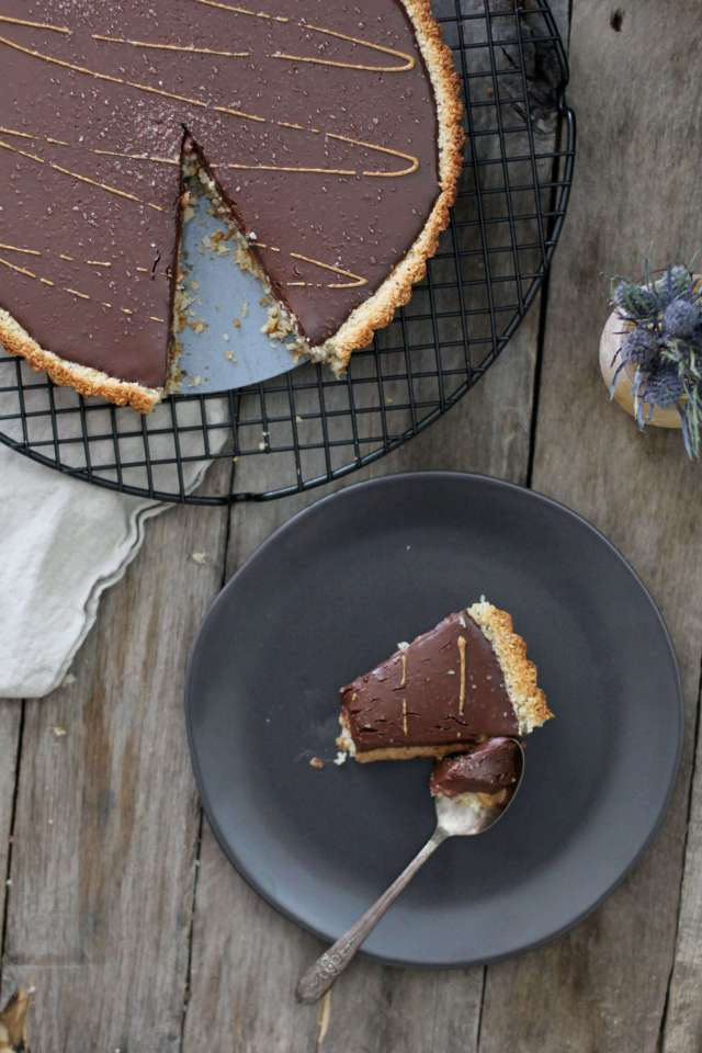 Chocolate Almond Macaroon Tart - Jessi's Kitchen