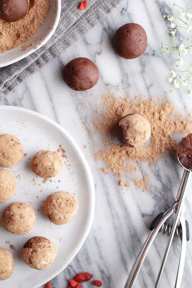 Chocolate Goji Berry Maca Truffles: Jessi's Kitchen