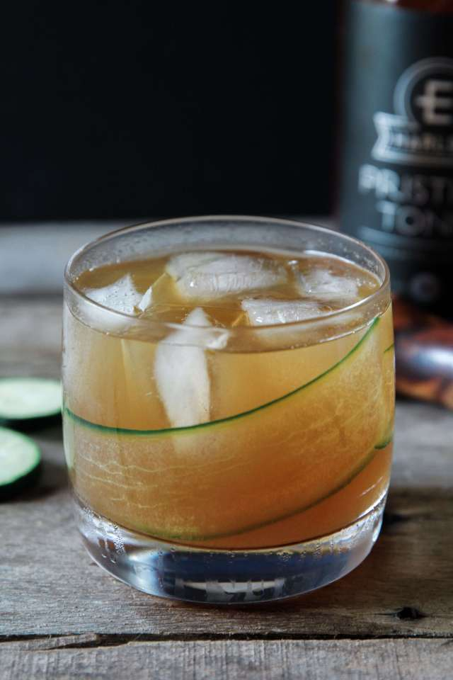 Cucumber Gin and Tonic: Jessi's Kitchen