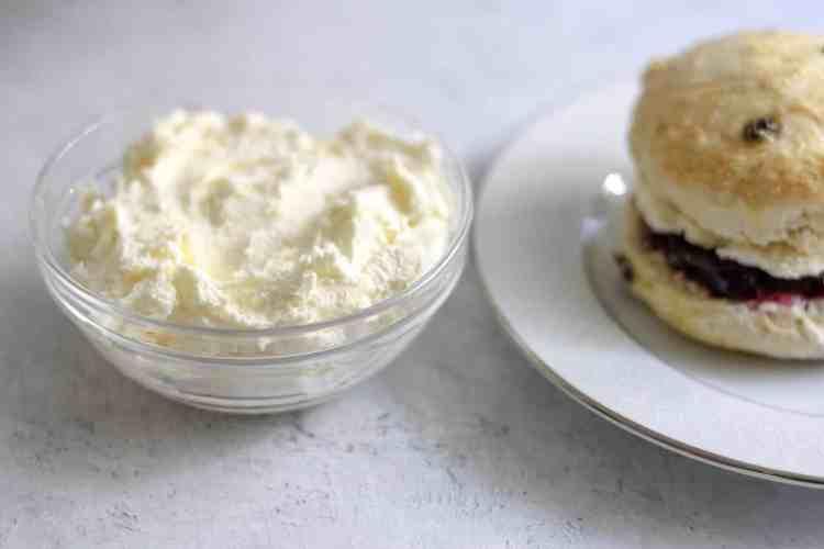 clotted cream and scone