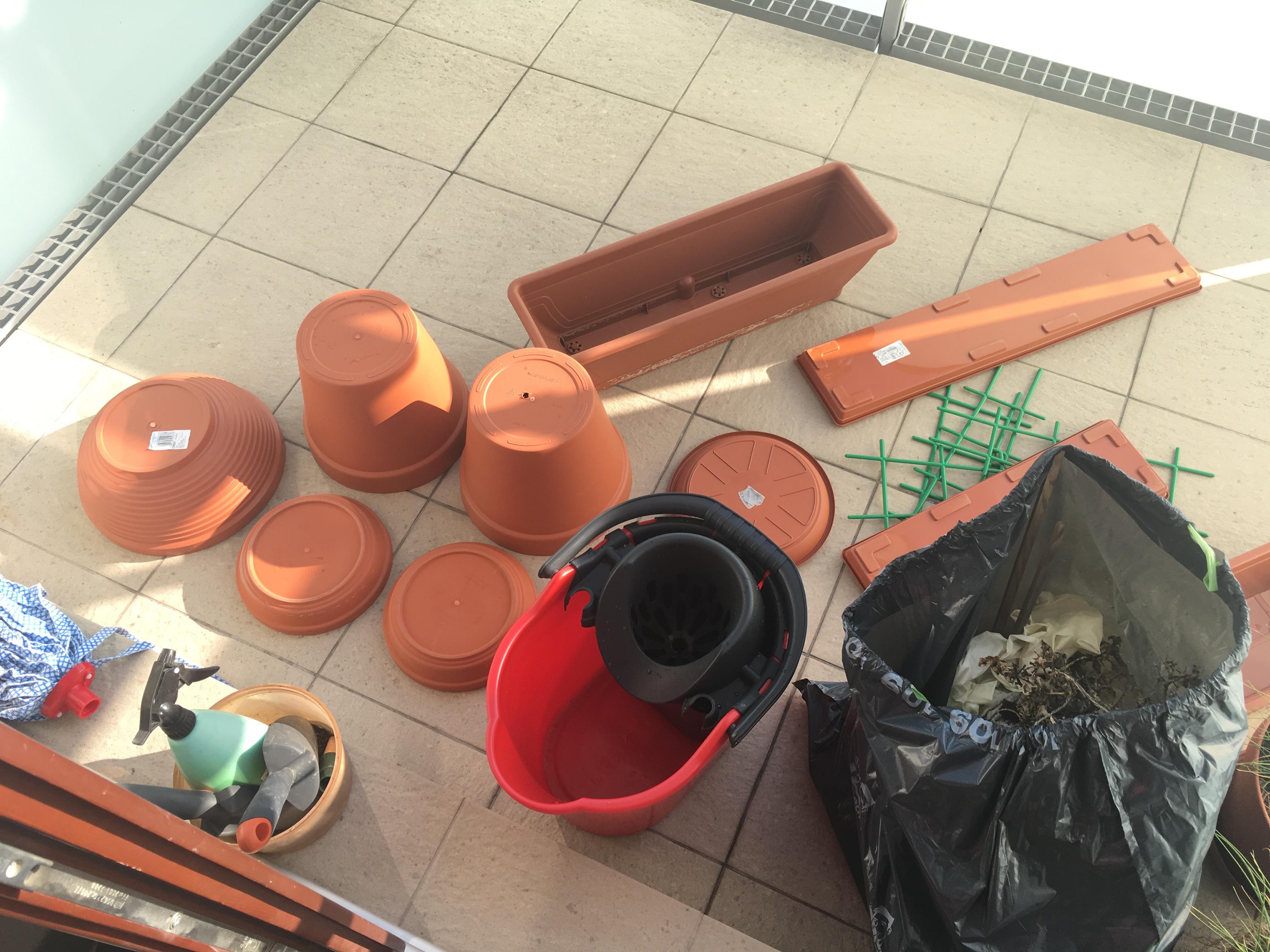 Mycie balkonu i donic mydłem ogrodniczym