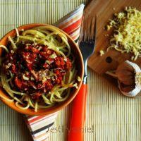 Błyskawiczne spaghetti bolognese