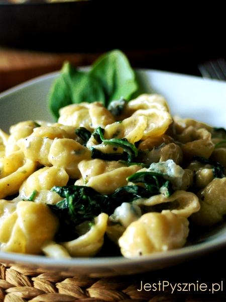 056 Makaron ze szpinakiem i gorgonzola V2