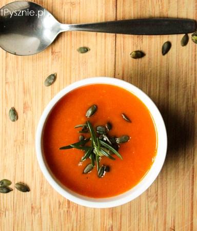 Zupa z pieczonej dyni i papryki