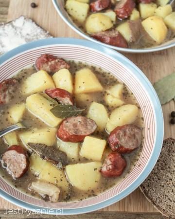 alewajka z kiełbasą i ziemniakami