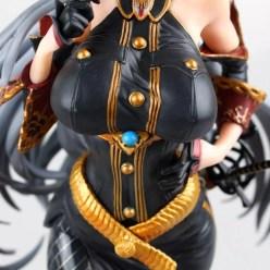 Gros plan de la poitrine de la figurine Vertex de Selvaria Bles