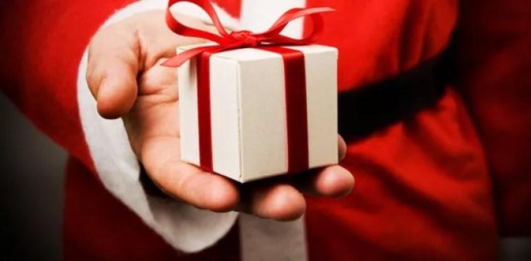 Noël : la surabondance de cadeaux est-elle nuisible pour nos enfants ?