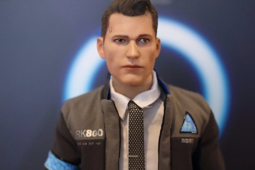 avis figurine connor VTS Toys (Detroit Become Human)