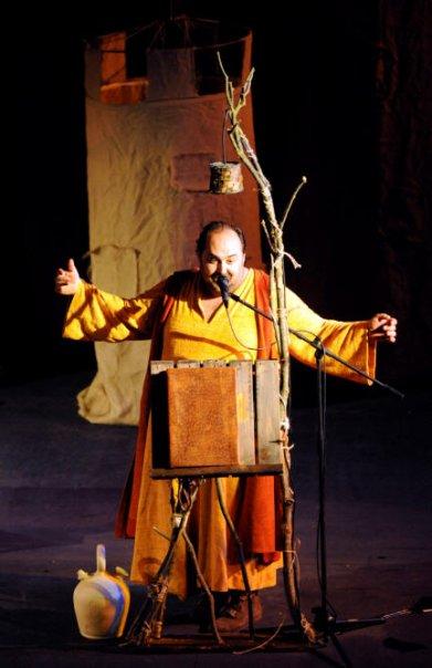 Juanma Cifuentes es un trovador sobre el escenario