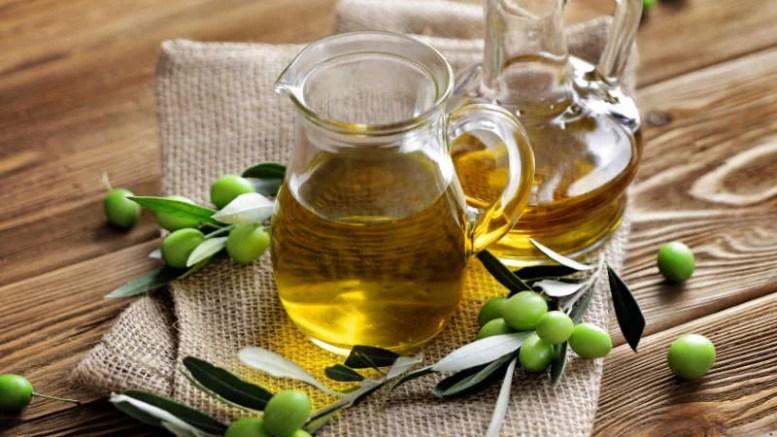 Vendas y aceite licencia de AdobeStock_266373907