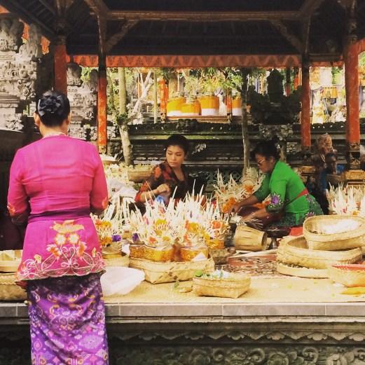 Balinese women at Gunung Lebah Temple