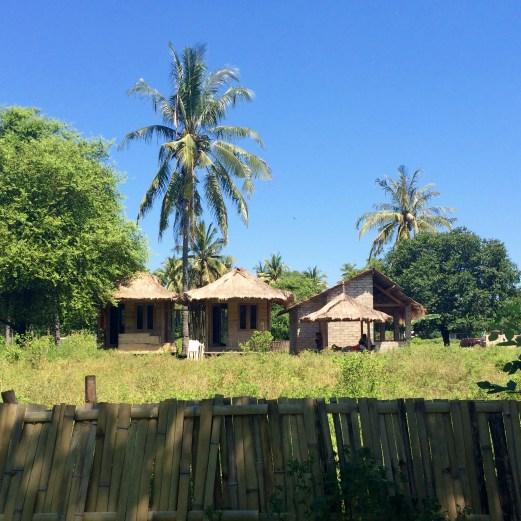 Gili Meno houses