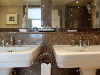 Stafford London Hotel suite bathroom
