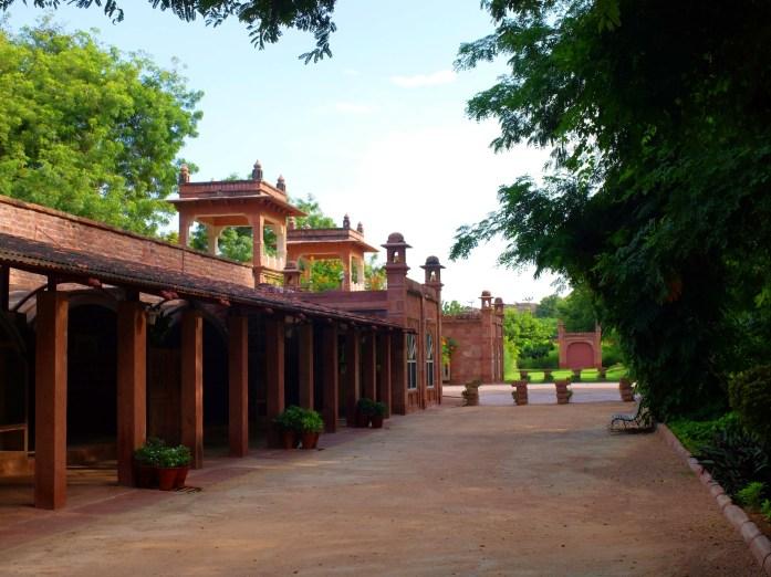 Bal-Samand-Palace-Hotel-garden-wing