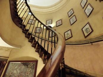 Hotel-As-Janelas-Verdes-staircase