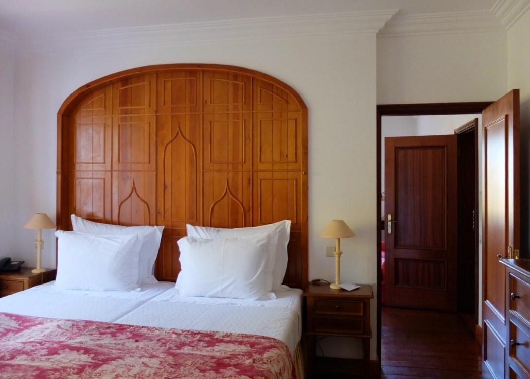 Lawrences-hotel-sintra-bedroom