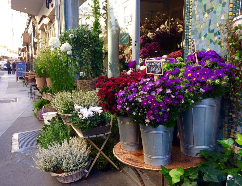 Fresh-flowers-Paris