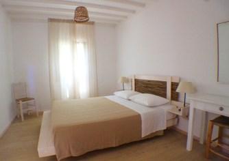 Baba Houlakia room 4