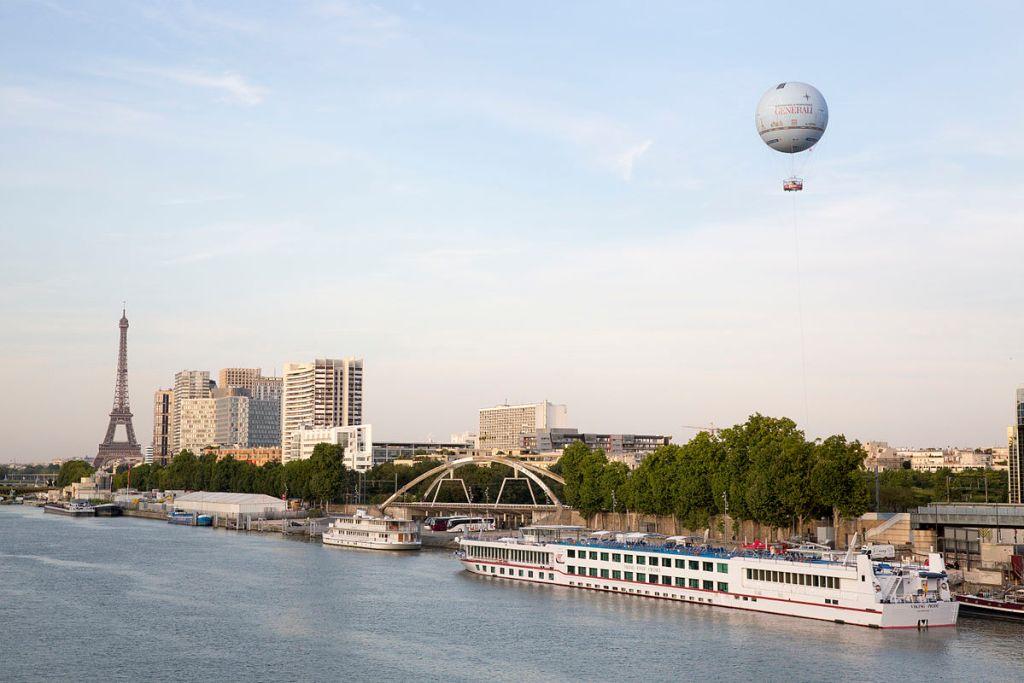 Ballon Generali and the Eiffel Tower c. Aero4