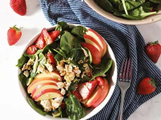 Apple & Chicken Spinach Salad