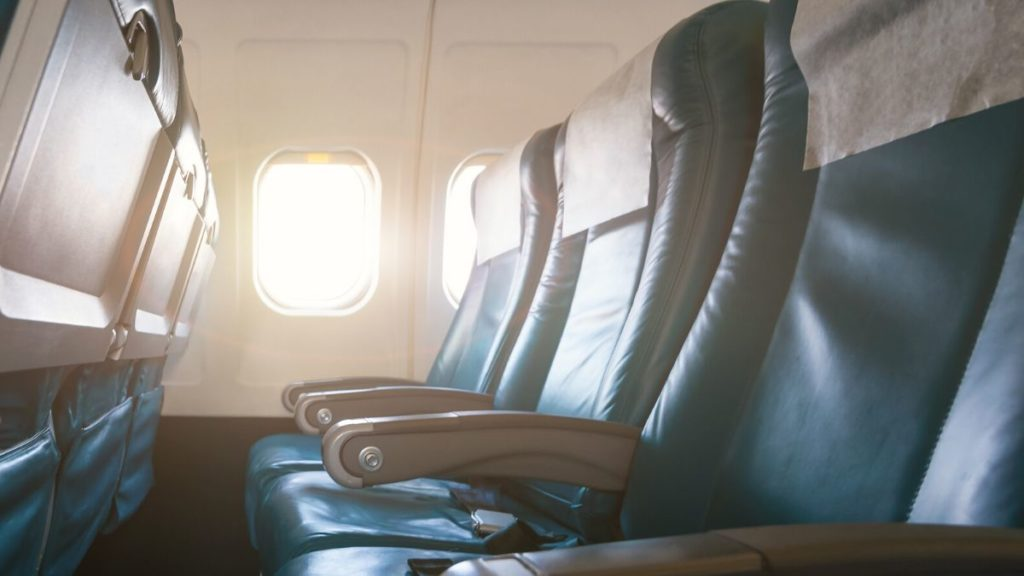 picture of seats in economy selecting the right seat is one of the essentials to surviving long flights
