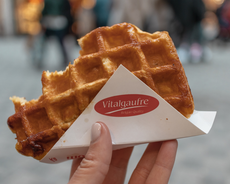 Vanilla waffle from Vitalgaufre one of the must things to do during a layover in Brussels.